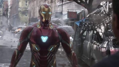 Avengers Infinity War- Iron Man's Suit Up Mk 50 Nano Tech