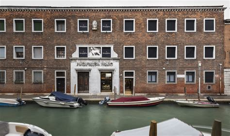 700-year-old Glass Studio In Venice Moves To A New Address In Murano