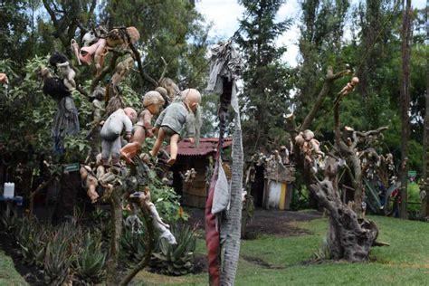 la isla de las munecas xochimilco mexico lost lara