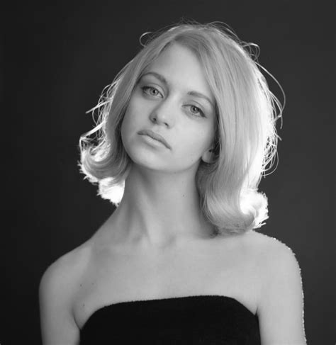 shes    goldie hawn turns