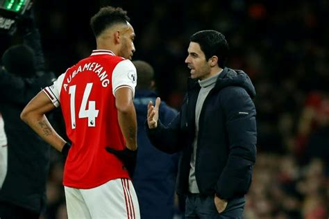 Arteta challenges Arsenal players to fill Aubameyang's boots