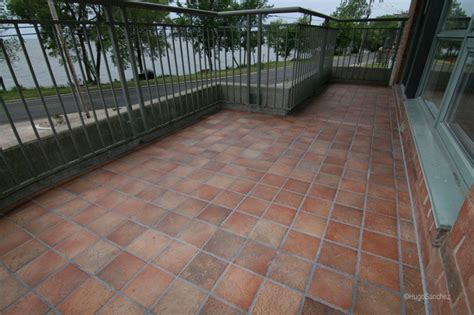 balcony in porcelain tiles traditional patio