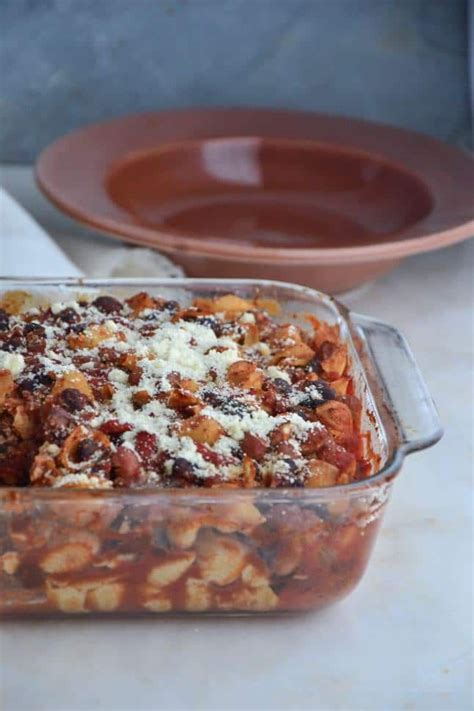 Everybody understands the stuggle of getting dinner on the table after a long day. Baked Chili Pasta Casserole | Recipe | Chili pasta, Pasta casserole, Food