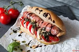 Hot Dog Belegen : italienischer hot dog mit salsiccia pesto und tomate mozzarella happy plate ~ Orissabook.com Haus und Dekorationen