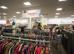 Macy's adding outlet store to Mayfair Mall location