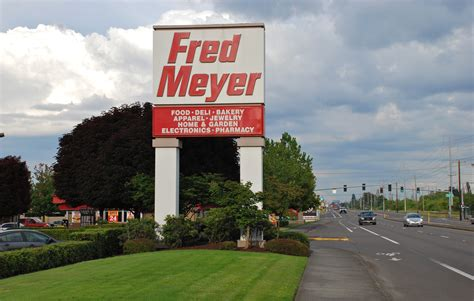 File:Hillsboro Fred Meyer store sign with TV Highway, 2013 ...