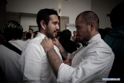 Collective gay wedding held in Mexico City - People's Daily Online