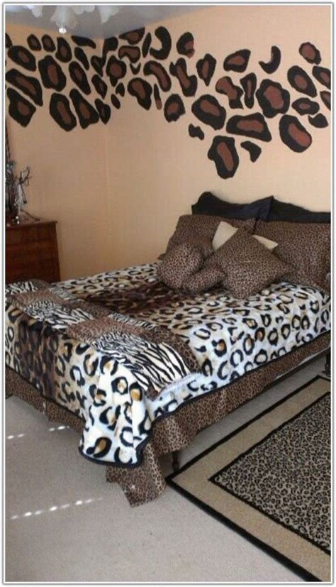 Cheetah Decor For Bedroom by Cheetah Print Bedroom Decor Hawk