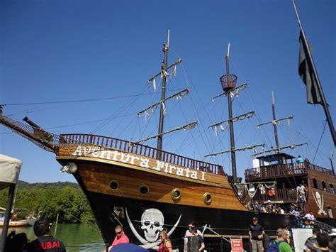 Barco Pirata Balneario Camboriu Fotos by Barco Pirata Foto De Barco Pirata Balne 225 Rio Cambori 250