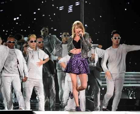 Taylor Swift's AMAZING '1989' World Tour In Pictures - Capital