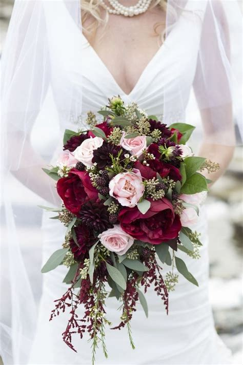 30 Stunning Cascading Wedding Bouquets Deer Pearl Flowers