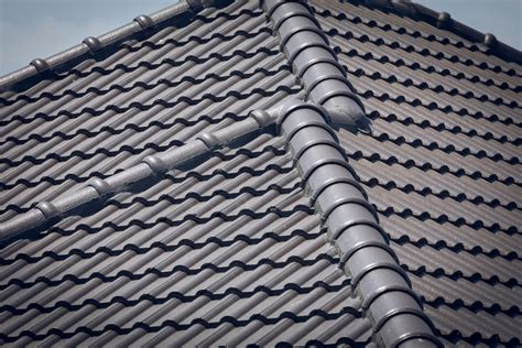 tiles  soffits fixed call  roof