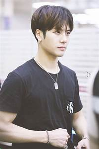 Jackson Wang - Playby Directory