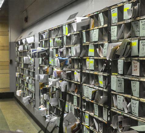 tips  organizing  mailroom