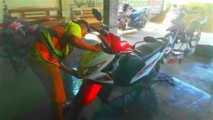 Ganti Dop Lampu Depan Motor Honda Beat