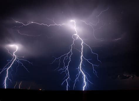 Animated Thunderstorm Wallpaper - animated thunderstorm wallpaper wallpapersafari