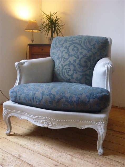 teindre un canapé en tissu peindre canape en tissu 28 images les 25 meilleures id