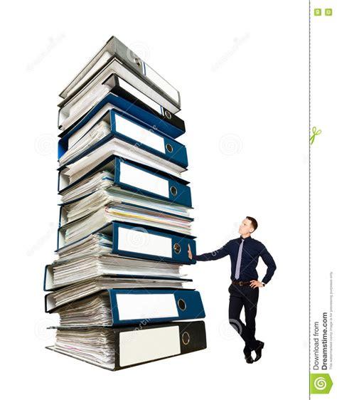 le de bureau à pile homme d 39 affaires et une pile de dossiers de bureau
