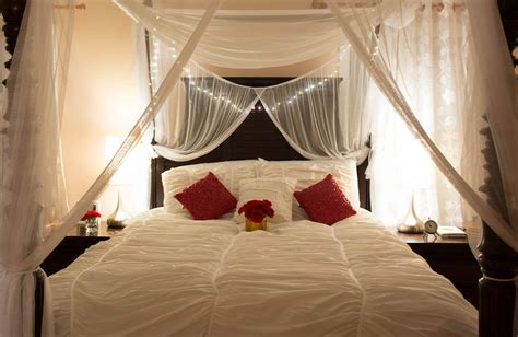 draped bed master bedroom dressup