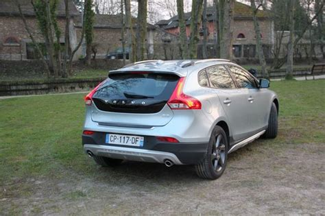 volvo v40 cross country coffre auto galerij