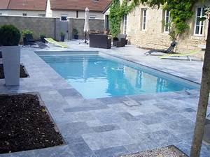 Carrelage Tour De Piscine : faire une terrasse en bois autour d une piscine ~ Edinachiropracticcenter.com Idées de Décoration