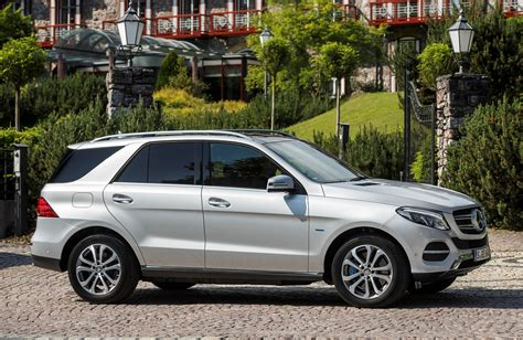 Review Mercedes Gle Class by Mercedes Gle Class 4x4 Review 2015 Parkers