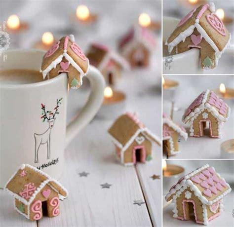 mini gingerbread house mug toppers