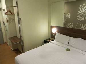 Kleiderbügel Zum Klappen : tune hotel danga bay johor bahru malaysia ~ Jslefanu.com Haus und Dekorationen