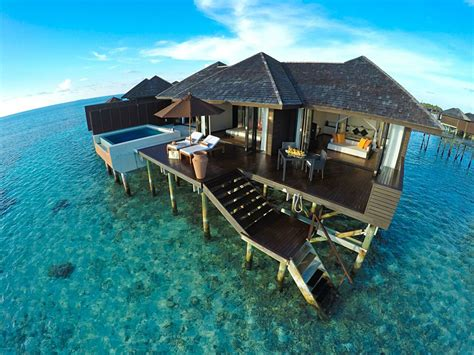 5 Seriously Stunning Overwater Bungalows Globetrotting