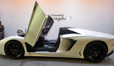 lamborghini aventador lp700 4 roadster price in india at rs 4 7 crore the lamborghini aventador lp 700 4 roadster is small price for exclusivity