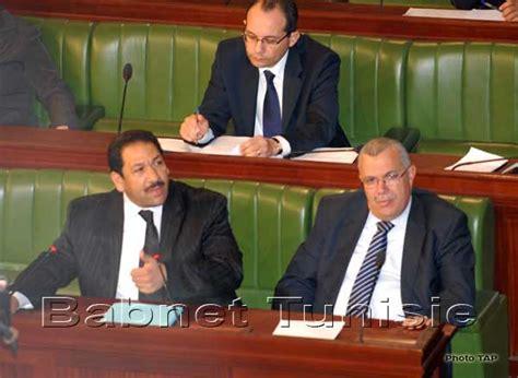 tunisie le ministre de l int 233 rieur appelle 224 l adoption d une loi qui prot 232 ge les policiers