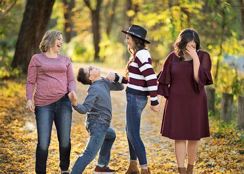 Family Mini Sessions Des Moines IA - Seniors by Photojeania