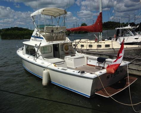 Fly Fishing Boats For Sale Uk by 1973 Bertram 31 Flybridge Cruiser Power New And Used Boats