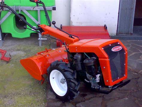 Cerco Poltrona Per Pedicure Usata : Trattori Agricoli Usati, Macchine