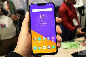 Top Smartphone Trends From Mobile World Congress 2018