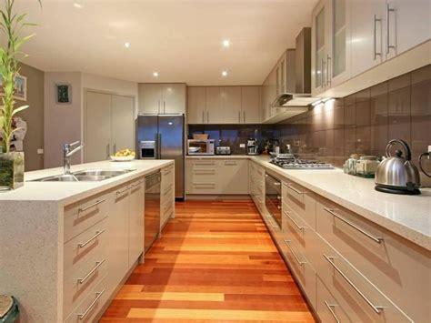classic island kitchen design  laminate kitchen