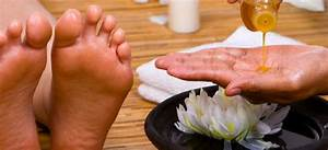 How To Massage Foot Reflexology Pressure Points For Pain