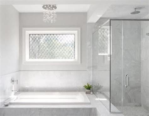 chic bathtub backsplashes  stand  digsdigs