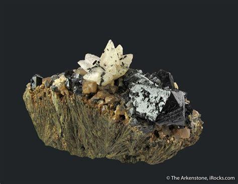 ilvaite calcite quartz  hedenbergite oba  dal