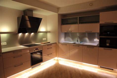 led plinthe cuisine eclairage cuisine spot eclairage cuisine cucina 2 spots