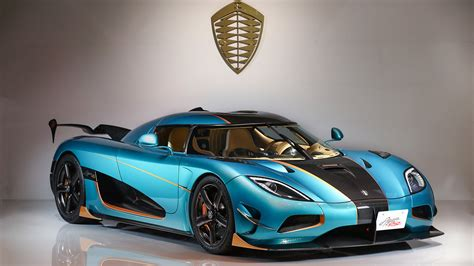 Bugatti's latest hypercar, the chiron, accelerated from 0 to 400 kph (249 mph) and braked back not only was the agera rs faster across the whole thing, it also hit 400 kph in less time than the bugatti. Bugatti veyron 16.4 grand sport vitesse vs Koenigsegg Agera R standing start acceleration ...