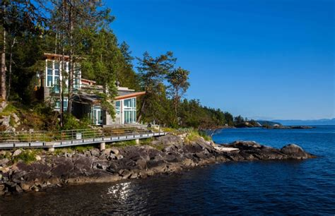 island design kitchen pender harbour house in pender harbour bc canada
