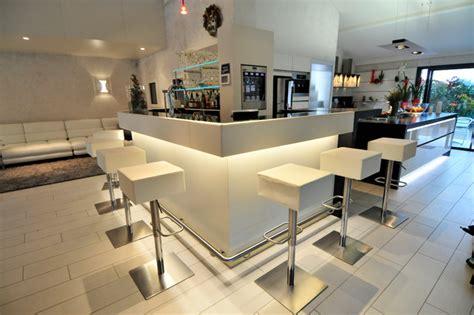 bar cuisine salon comptoir de bar professionnel pour séparer l 39 espace