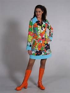 70 Er Jahre Outfit : 70 er jahre kleid hippiekost m hippie kleid 60er jahre kleid ~ Frokenaadalensverden.com Haus und Dekorationen