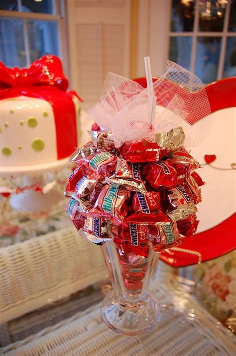 how to do a christmas candy sunday centerpiece 17 images about bouquet ideas on bouquet valentines and bar bouquet