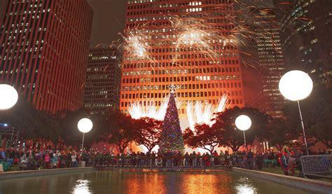 thabksgiving tree lighting housron mayor s tree lighting houston 365 houston