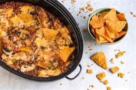 Recipe for velveeta cheese dip with hamburger meat. * Crock Pot - Ro-Tel Dip with Ground Beef & Cheese | Recipe Box | Copy Me That