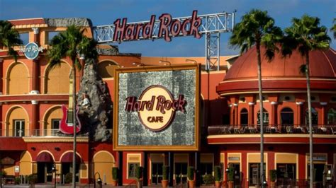 hard rock extend universal citywalk lease