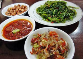 Kuliner khas bali yang satu ini terbukti punya kelezatan di setiap suapan. Resep Ayam Betutu Kuah Khas Bali | Dapur Asyik