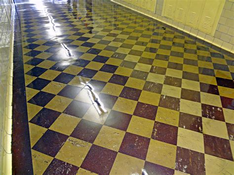 glossy checkered asbestos floor tile